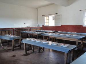 2014-07-12  Kleiderverteilung im Kinderheim (119)